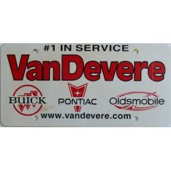 Americká reklamní SPZ prodejců automobilů VAN DEVERE