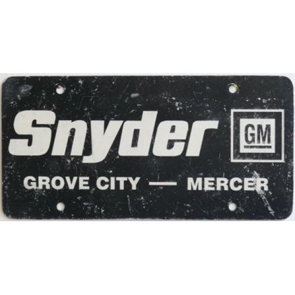 Americká reklamní SPZ prodejců automobilů SNYDER